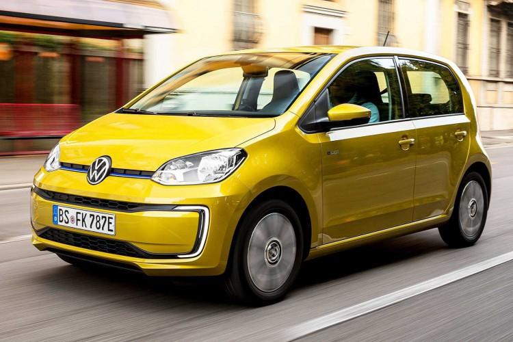 São necessários 60 minutos plugado a um sistema de recarga rápida (40 kW) para que as baterias do e-up! recuperem até 80% da sua capacidade total (Foto: Divulgação/Volkswagen)