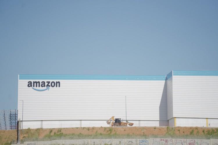 Centro de Distribuição da Amazon no Ceará (Foto: JULIO CAESAR)