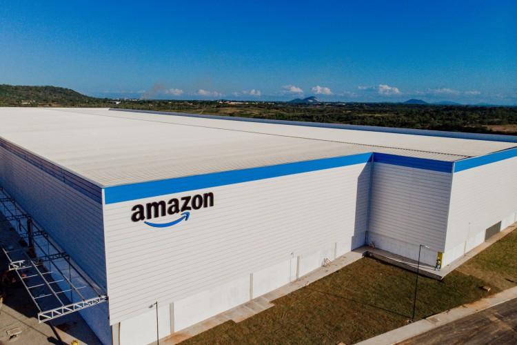 Centro de distribuição da Amazon que está sendo construído no 4º anel viário na Grande Fortaleza (Foto: JÚLIO CAESAR)