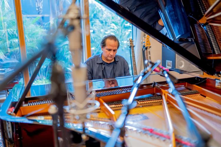 Ricardo Bacelar é um dos participantes da palestra 'O mercado e o circuito da música no Ceará', do Festival Jazz&Blues (Foto: Davi Távora)
