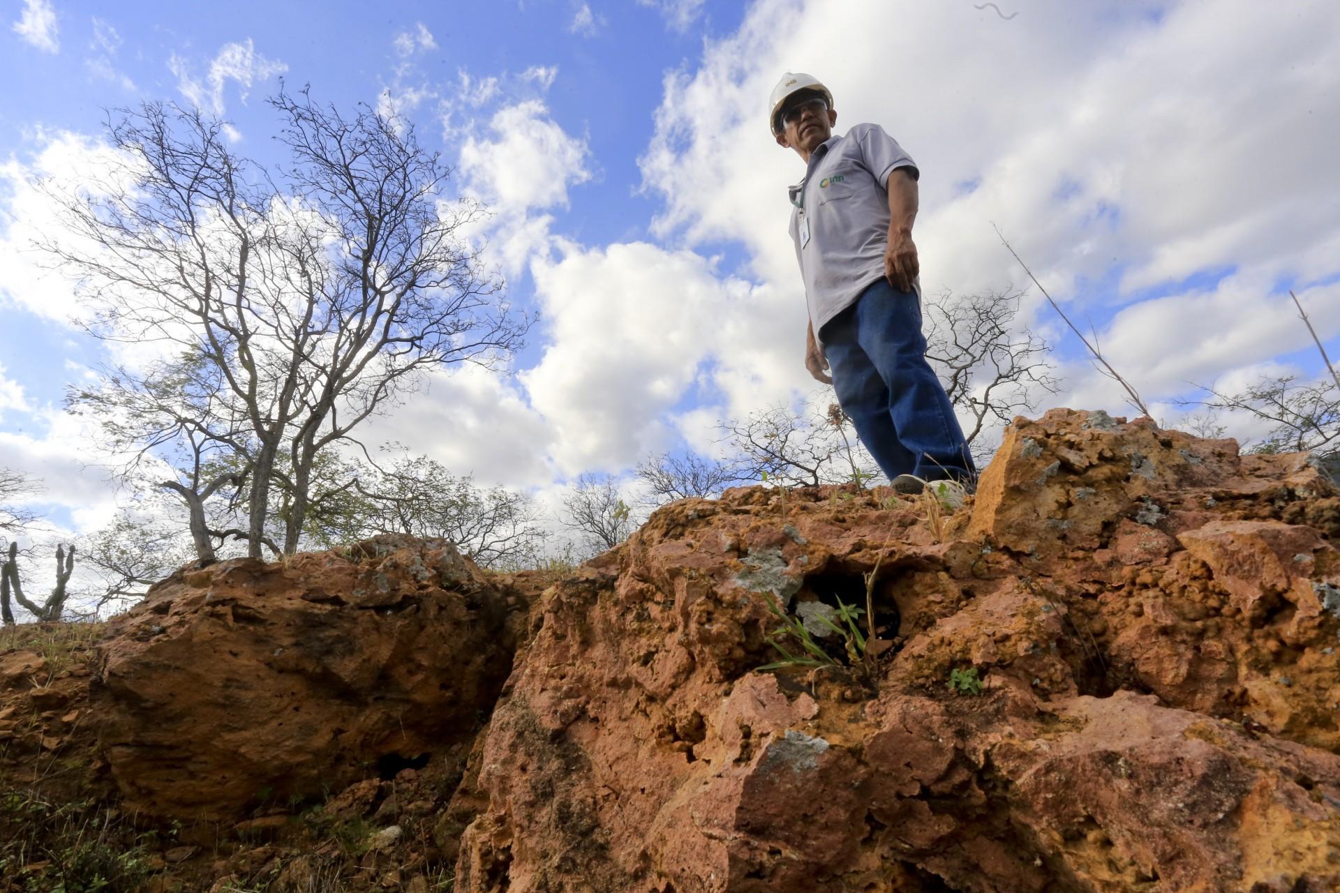 (Foto: O POVO)SANTA QUITÉRIA, CE, BRASIL, 20-07-2015: Antônio Dias Gomes, 54, funcionário da mina de urânio e fosfato de Itataia. Mina de urânio (minério) em Santa Quitéria. (Foto: Fábio Lima/O POVO) *** Local Caption *** Publicada em 03/08/2015 - CD 06