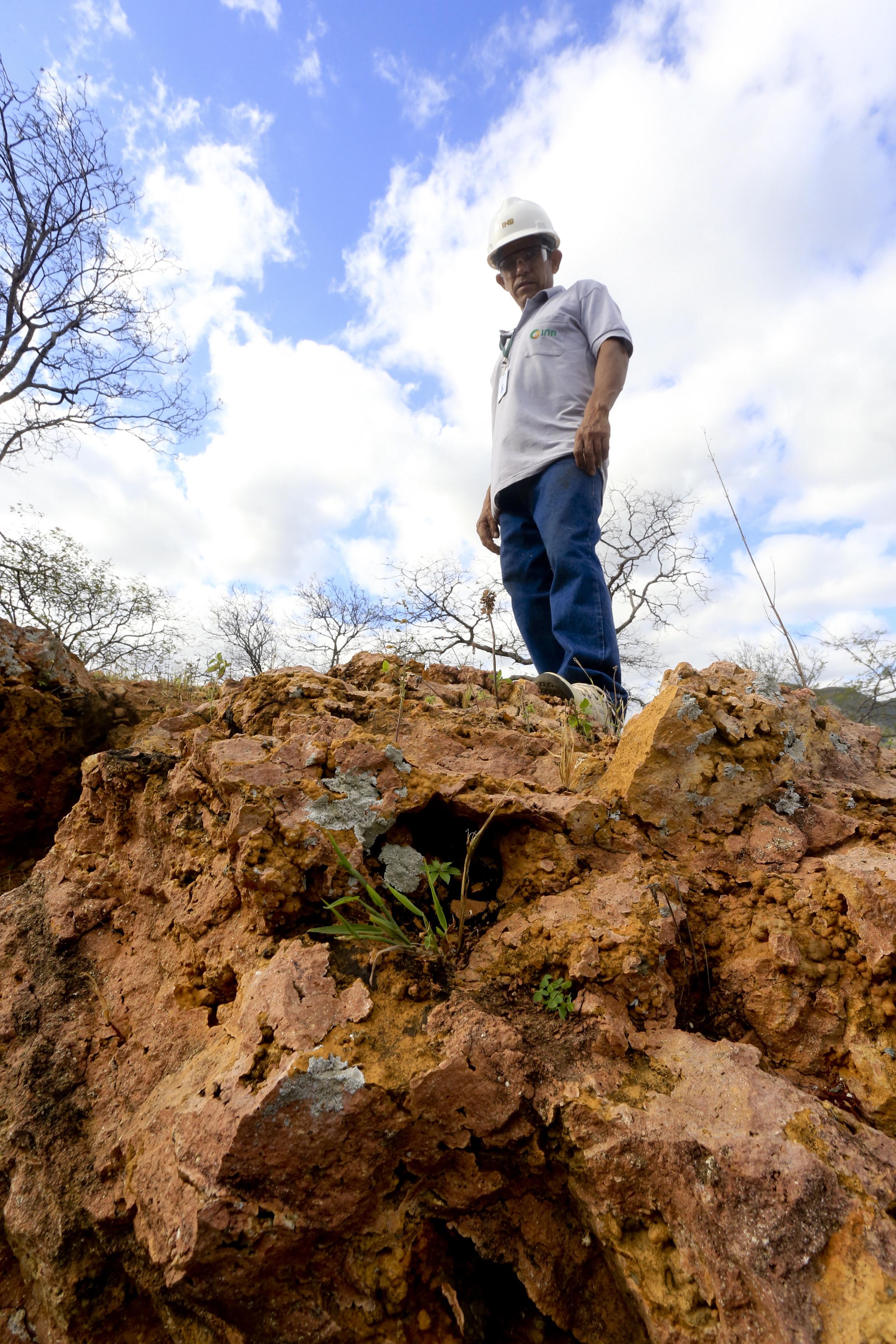 (Foto: O POVO)SANTA QUITÉRIA, CE, BRASIL, 20-07-2015: Antônio Dias Gomes, 54, funcionário da mina de urânio e fosfato de Itataia. Mina de urânio (minério) em Santa Quitéria. (Foto: Fábio Lima/O POVO)