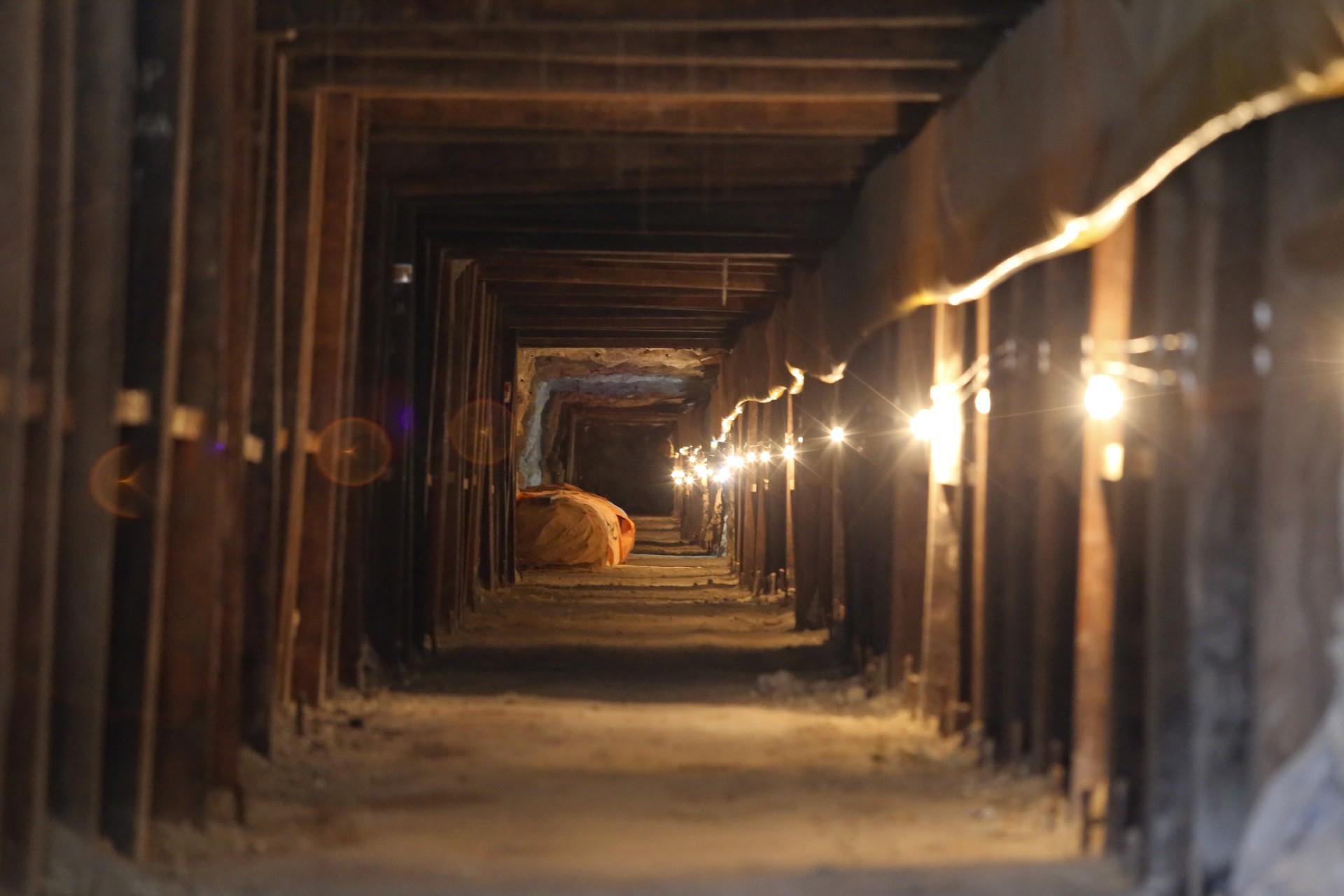 (Foto: O POVO)SANTA QUITÉRIA, CE, BRASIL, 20-07-2015: Túnel da mina de urânio e fosfato de Itataia. Mina de urânio (minério) em Santa Quitéria. (Foto: Fábio Lima/O POVO)