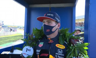Verstappen é pole no GP da Inglaterra