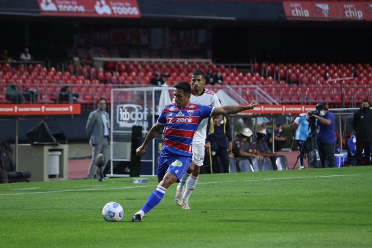 """Autor do gol da vitória, Robson falou que o Fortaleza deseja """"coisas grandes"""" (Foto: Leonardo Moreira / Fortaleza EC)"""