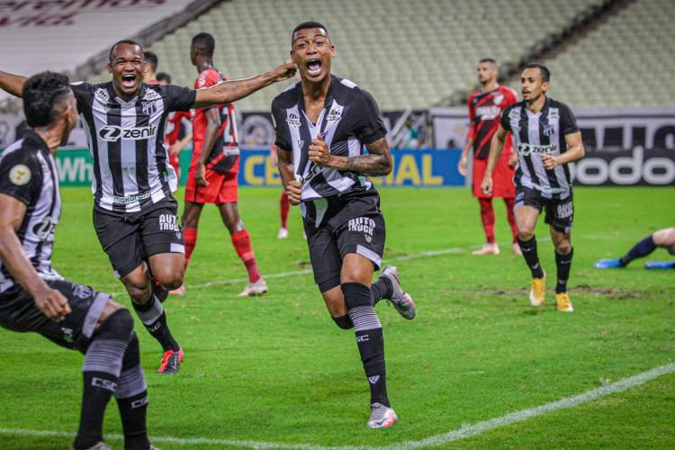 Wendson marcou o primeiro gol com a camisa do Ceará.  (Foto: Felipe Santos / Ceará SC)