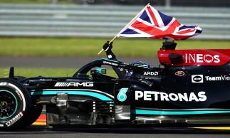 Hamilton conseguiu sua 99ª vitória na carreira, em casa, no circuito de Silverstone