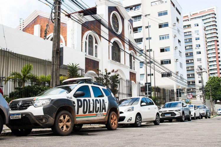 Ataques de grupo bolsonarista contra padre Lino Allegri na Paróquia da Paz, em Fortaleza, serão alvo de inquérito policial, revela governador do Estado, Camilo Santana (PT)  (Foto: Fernanda Barros)