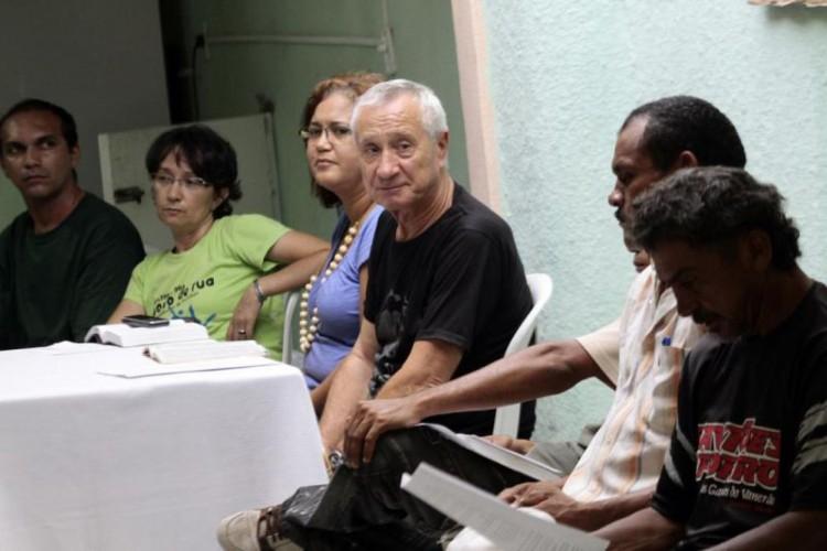 Padre Lino Allegri (al centro) alla Casa do Povo da Rua, a Fortaleza.  (Immagine scattata prima della pandemia di Covid-19, il 04/11/2012) (Foto: Igor de Melo il 04/11/2012)