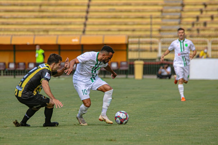 Floresta acabou perdendo para o Volta Redonda no estádio Raulino de Oliveira  (Foto: Foto: Ronaldo Oliveira / ASCOM Floresta EC)
