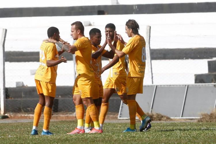 Brasiliense encerra jejum de vitórias na Série D e complica Jaraguá (Foto: )
