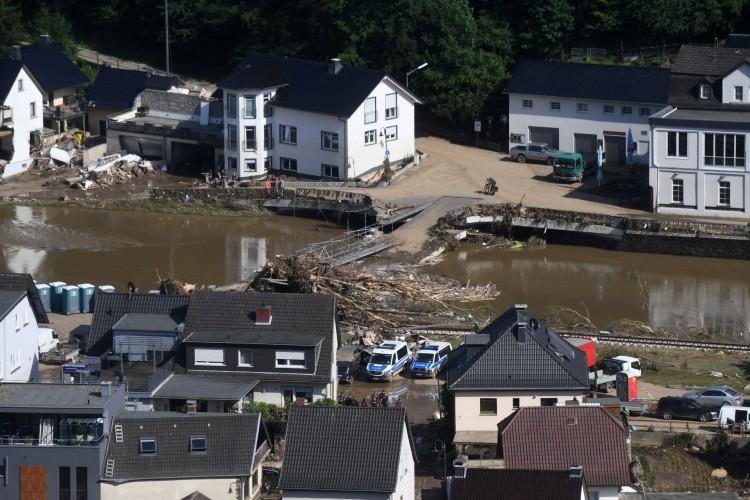 A visão geral mostra o curso do rio Ahr na cidade de Dernau, Renânia-Palatinado, oeste da Alemanha, em 18 de julho de 2021, depois que inundações devastadoras atingiram a região    (Foto: Christof STACHE / AFP)