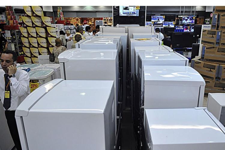 Governo reduz IPI de eletrodomésticos da linha branca, geladeiras; comércio (Foto: Fabio Rodrigues Pozzebom/ABr)
