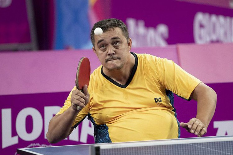 Coluna - Agente de trânsito, mesatenista quer medalha na Paralimpíada (Foto: )