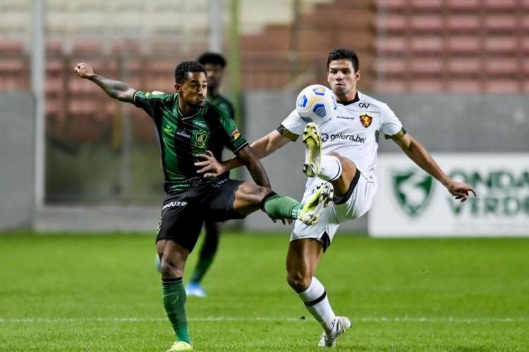 Sport bate América em Minas com gol no final da partida (Foto: MOURAO PANDA)