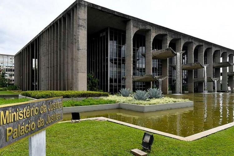 Ministério da Justiça leiloará bens apreendidos de traficantes (Foto: )