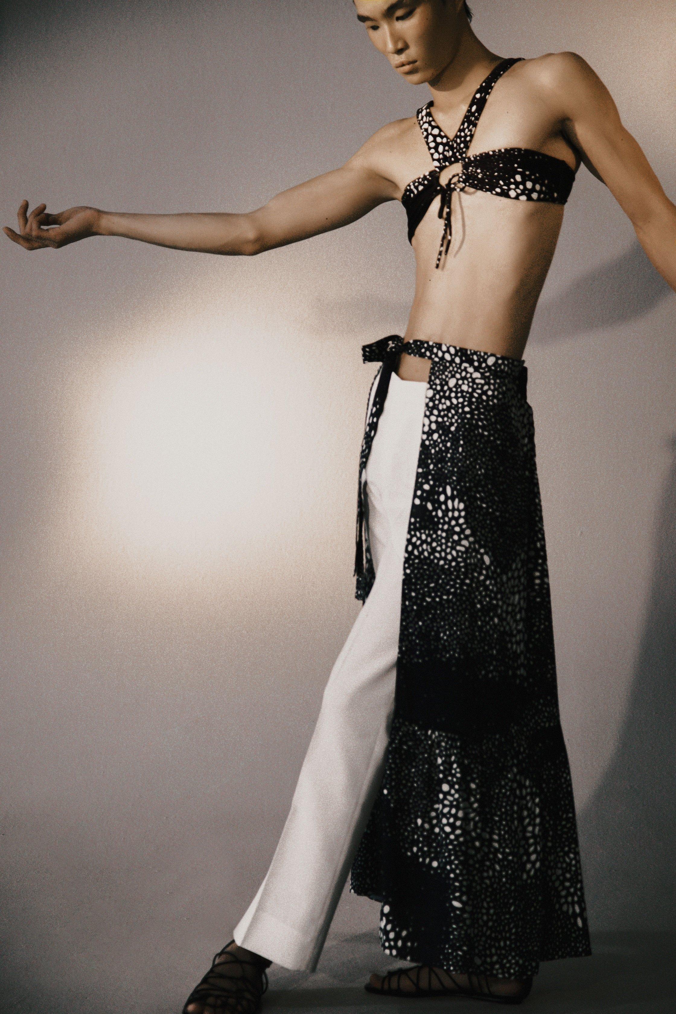 (Foto: Reprodução/Site da marca Adriana Degreas)GENDER FLUID