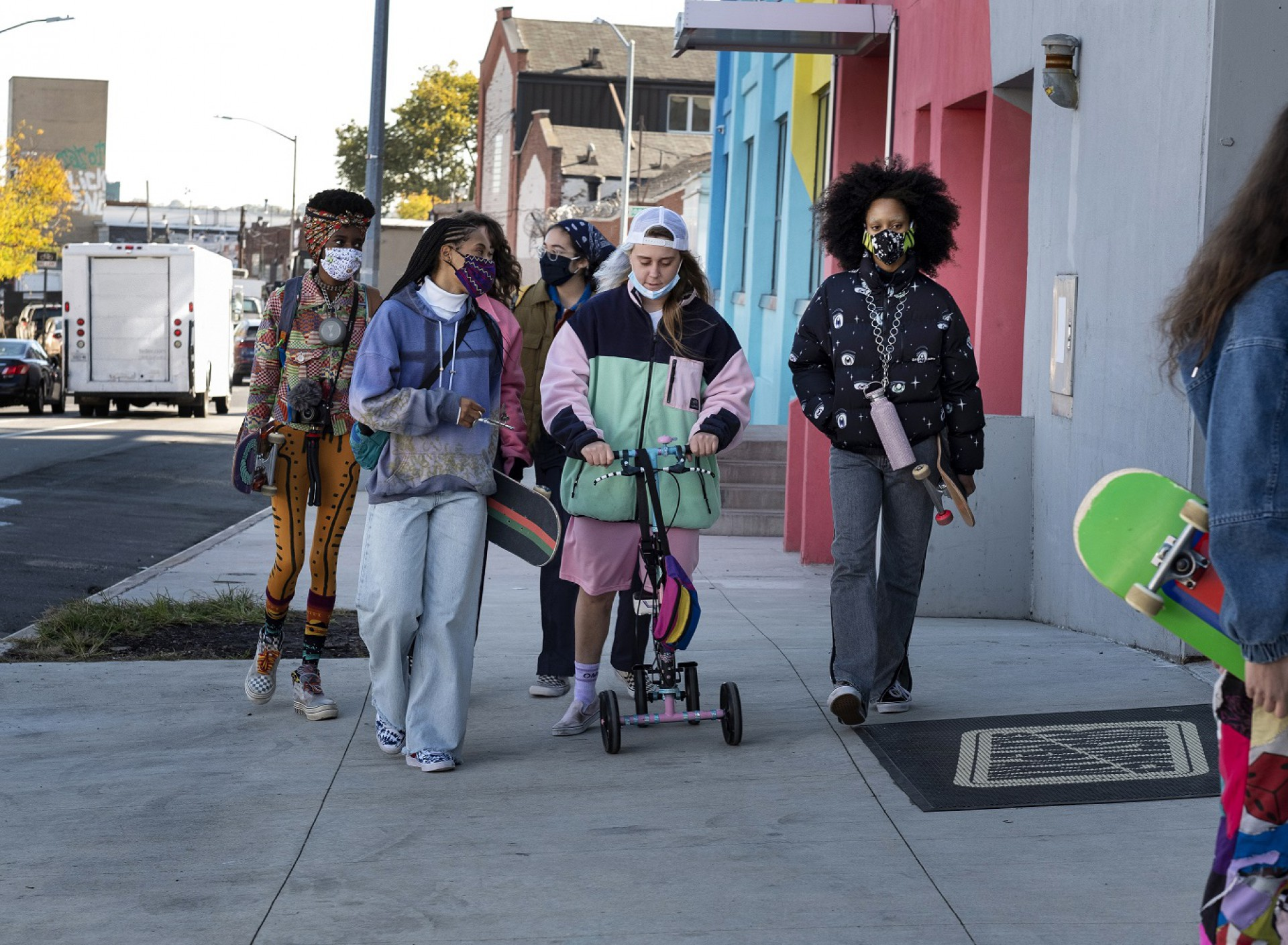 Dede Lovelace, Kabrina Adams, Nina Moran, Ajani Russell e Rachelle Vinberg protagonizam a série 'Betty', da HBO (Foto: Divulgação)