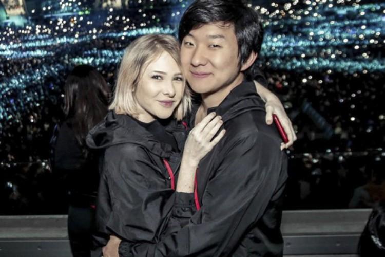 Sammy Lee anuncia separação de Pyong após vídeo de traição na Ilha Record (Foto: Reprodução / Revista Quem)