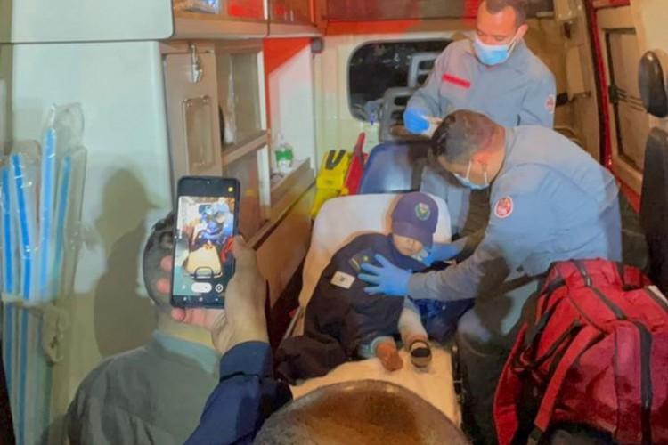 Criança é resgatada após ficar cerca de 4 horas desaparecida na área rural de Campinas (SP) (Foto: Guarda Municipal de Campinas)