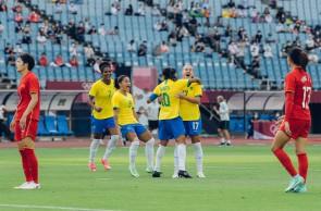 Futebol Feminino do Brasil inicia campanha dos Jogos Olímpicos com goleada diante da China.