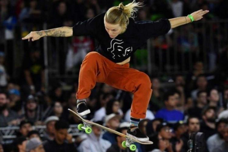 A skatista neerlandesa Candy Jacobs testou positivo para Covid-19 e está fora das Olimpíadas de Tóquio (Foto: Nelson Almeida/AFP)
