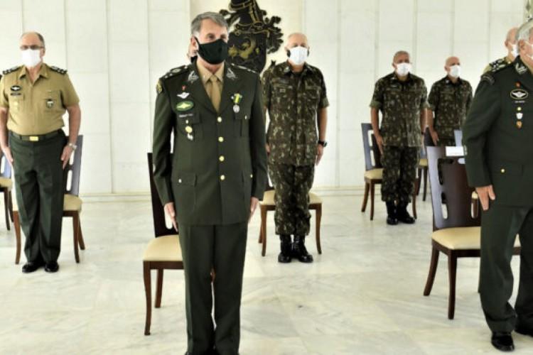 Com apoio do Exército, servidores da Abin furaram fila de vacinação (Foto: Exército Brasileiro)