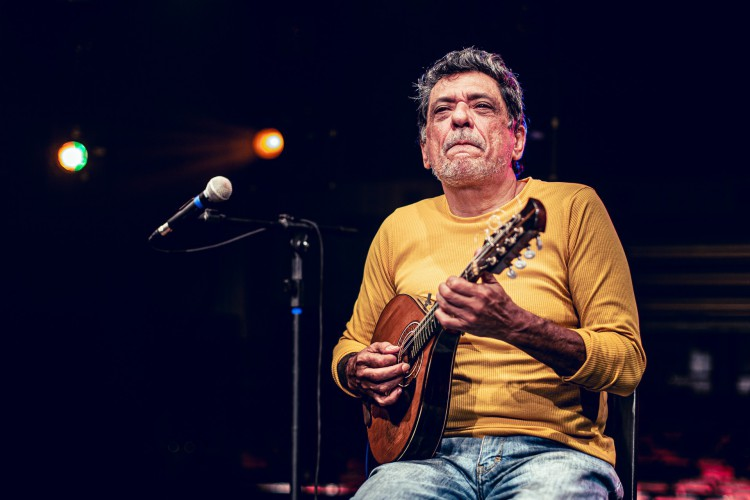 Carlinhos Patriolino se apresenta neste sábado, 24, nas redes sociais do Cineteatro São Luiz (Foto: Henrique Kardozo)