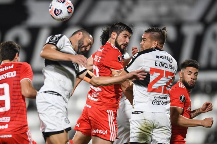 Internacional e Olimpia empataram sem gols no jogo de ida. hoje, quinta, 15 de julho, as equipes disputam o jogo de volta pela Libertadores. Saiba onde assistir e as prováveis escalações.  (Foto: Ricardo Duarte/Internacional)