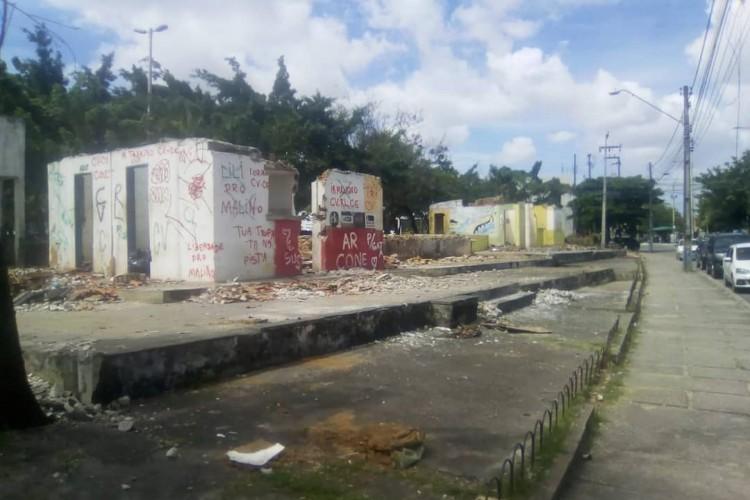 Polo de lazer do bairro Conjunto Ceará com obras abandonadas desde 2018 (Foto: Reprodução/Facebook)