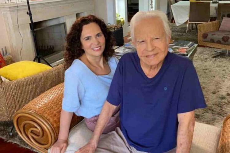 Os filhos alegam que o jornalista, de 93 anos está senil e sofre maus tratos causados pela esposa, Fátima Sampaio.  (Foto: Reprodução/Instagram)