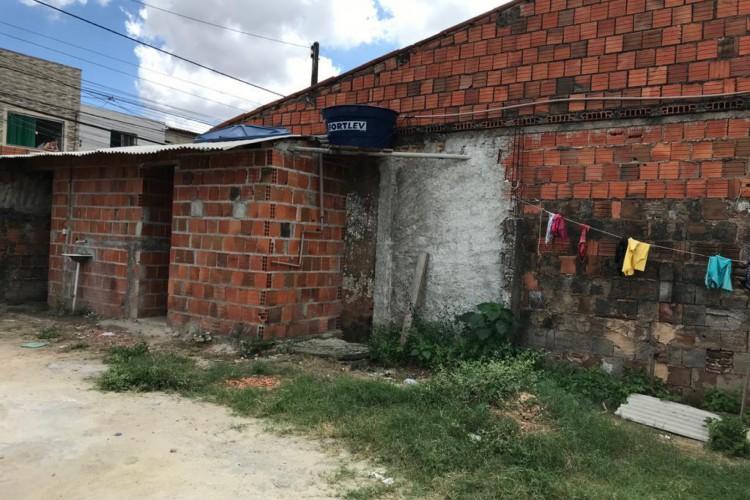 Polícia Federal (PF) e do Ministério Público do Trabalho realizam fiscalização de denúncias de trabalho análogo à escravidão no bairro Itaperi. (Foto: Reprodução/WhatsApp)