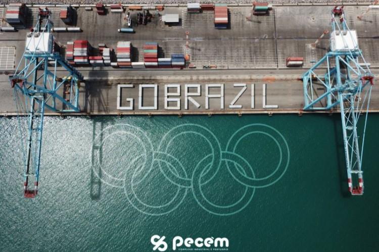 Foto de homenagem do Porto do Pecém aos atletas na Olimpíada de Tóquio (Foto: Divulgação)