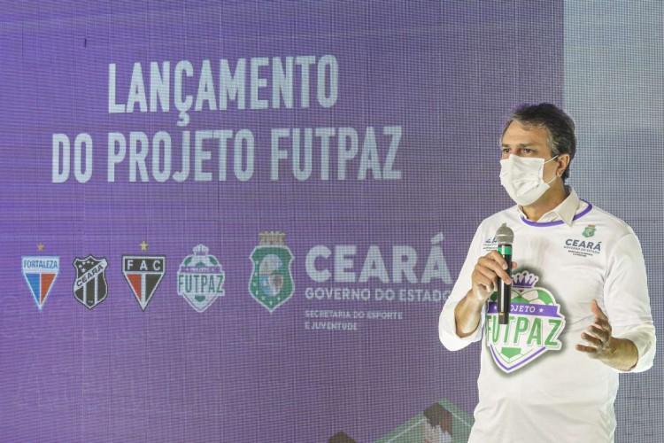 Governado Camilo Santana lançou o projeto nesta sexta-feira, 23 (Foto: Carlos Gibaja/Governo do Estado )