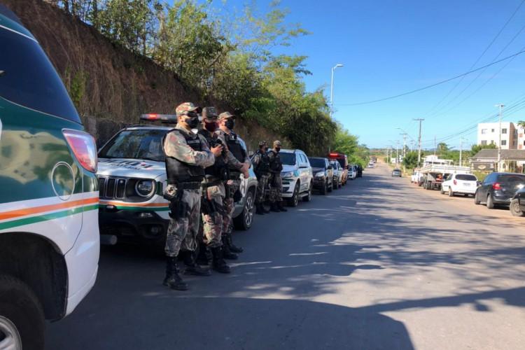 Operação Domus, em sua terceira fase da ação, realiza, nesta sexta-feira, 23, uma ação no Conjunto Habitacional Alameda das Palmeiras, no bairro Ancuri, em Fortaleza. (Foto: SSPDS)