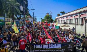 Protestos contra Bolsonaro ocorrem no Ceará e pelo Brasil neste sábado