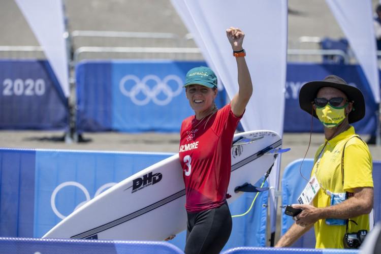 Stephanie Gilmore, da Austrália, foi eliminada nas oitavas de final de Tóquio 2020 (Foto: Olivier Morin / AFP)