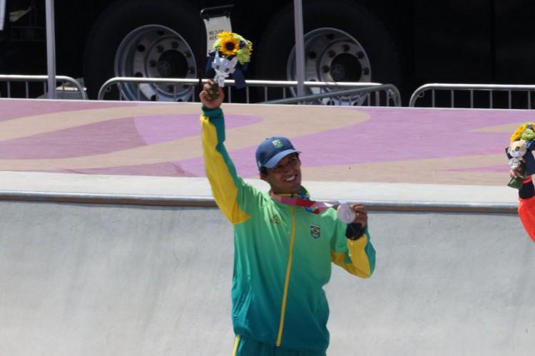 Prata de Kelvin Hoefler é a primeira medalha brasileira em Tóquio (Foto: )
