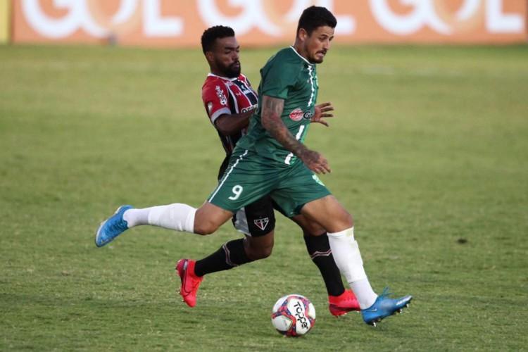 Floresta e Ferroviário empataram em 1 a 1 em jogo disputado no sábado, 24, no Vovozão, pela Série C 2021 (Foto: Fábio Lima)