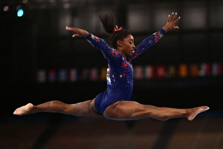 Simone Biles, estrela da ginástica artística (Foto: Loic VENANCE / AFP)