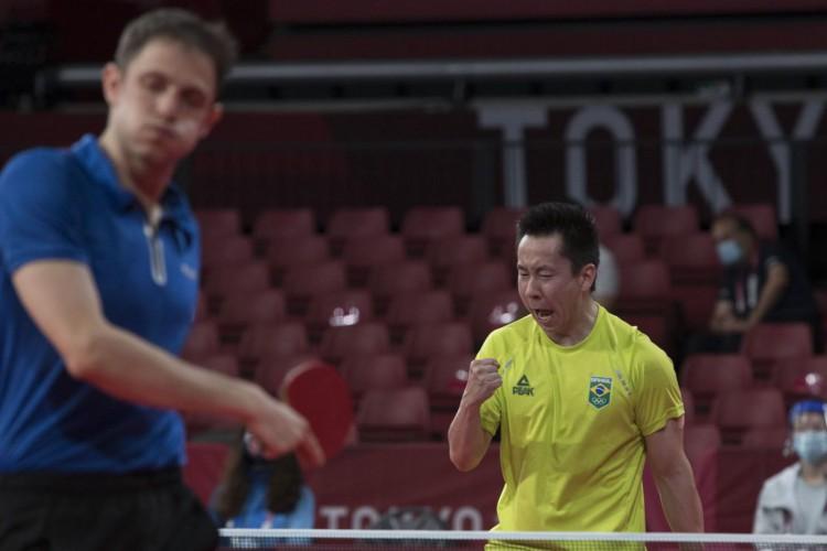 Tóquio: Gustavo Tsuboi avança à terceira rodada do tênis de mesa (Foto: )