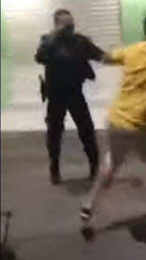 PM e filho de ex-vereador de Potengi brigam no Centro do município (Foto: Foto: Reprodução/vídeo)