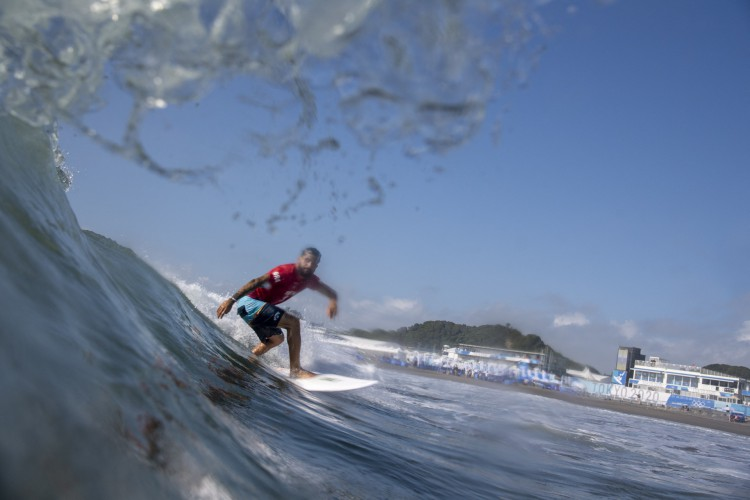 O brasileiro Ítalo Ferreira se classificou á semifinal do surfe nas Olimpíadas de Tóquio (Olivier MORIN / AFP) (Foto: Olivier MORIN/AFP)