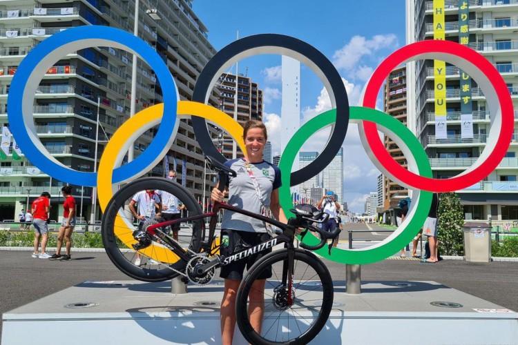 A atleta cearense Vitoria Lopes terminou a prova em 28º com um tempo de 2 horas, 3 minutos e 9 segundos em Tóquio 2020 (Foto: Instagram / vittorialopes)