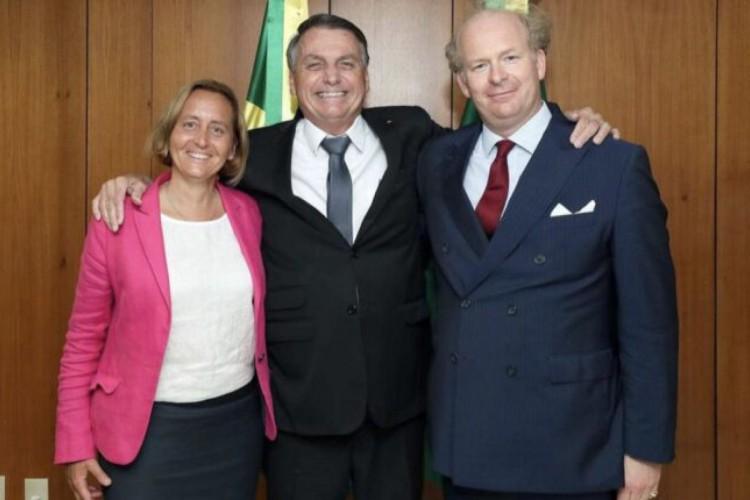 Bolsonaro aparece em foto com neta de antigo ministro de Hitler (Foto: Reprodução)