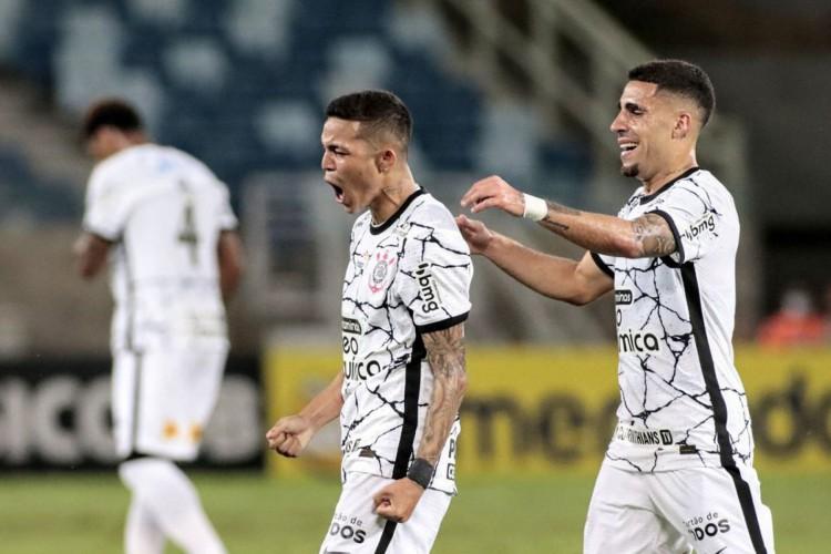 Com força da base, Corinthians vence Cuiabá fora de casa (Foto: )
