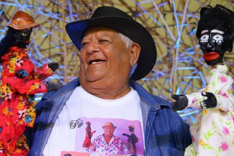 Gilberto Calungueiro é um dois bonequeiros homenageados no evento da Vila das Artes (Foto: Reprodução/ Instagram @gilberto_calungueiro)