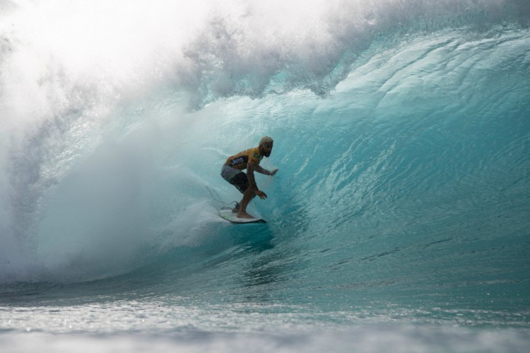 Surfista Italo Ferreira venceu o neozelandês Billy Stairman e avança às quartas de final do surf na Olimpíada de Tóquio; próximo adversário do brasileiro ainda está sendo definido neste momento (Foto: WSL)