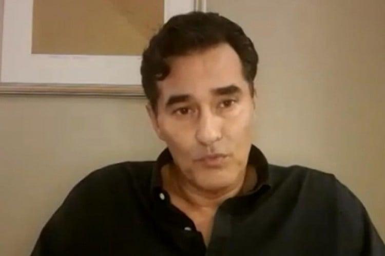 Ator Luciano Szafir em entrevista ao Fantástico. O ator detalhe o processo de recuperação das complicações em seu quadro de saúde causada pela Covid-19. (Foto: Reprodução/ Rede Globo)