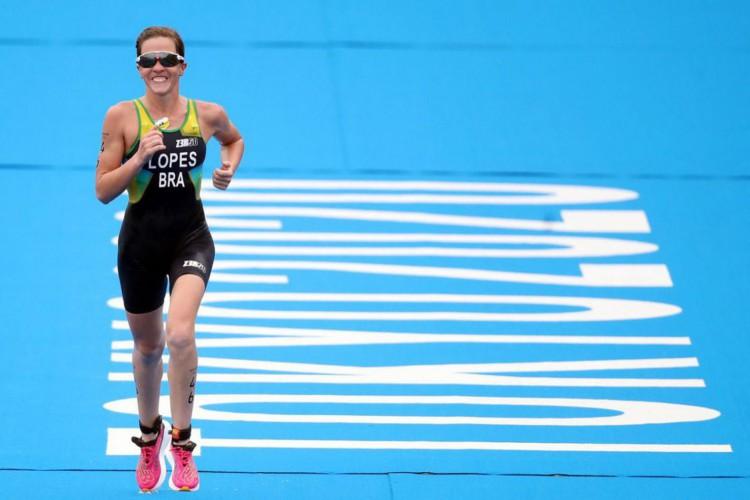 Olimpíada: Vittoria Lopes fecha prova do triatlo na 28ª posição (Foto: )